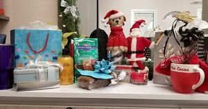 I feel so loved with all my Christmas gifts! I am so lucky and thankful to have such wonderful clients!! Merry Christmas! 🌲🌲🎁🎁